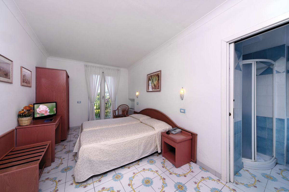 Hotel Bellevue Ischia Standard Zimmer