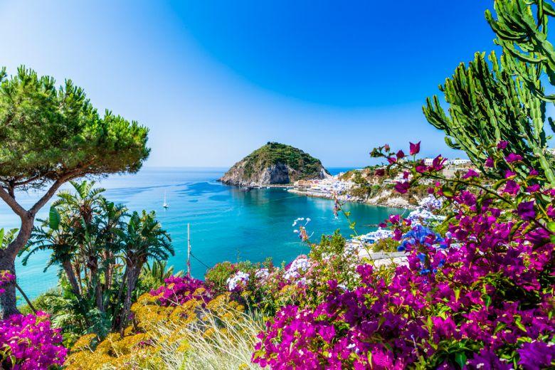 Primi di Settembre con Spiaggia nel centro di Ischia